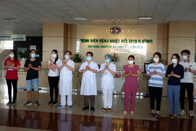 Thêm 3 bệnh nhân khỏi bệnh, Việt Nam chữa khỏi 263/320 ca mắc Covid-19 - 1