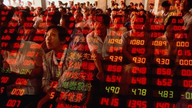 Bất ngờ: Quỹ đầu tư toàn cầu ồ ạt đổ vào chứng khoán Trung Quốc  - 1