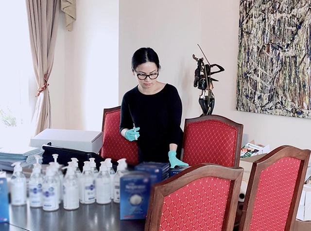Hà Phương - vợ tỷ phú Chính Chu tiết lộ cuộc sống tại Mỹ trong mùa dịch - 1