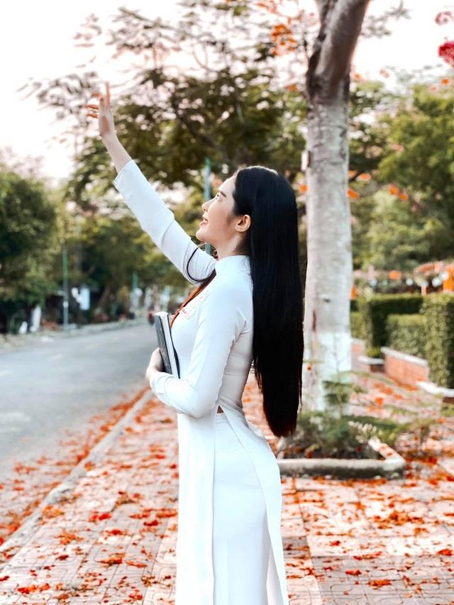 Hot girl được báo Trung Quốc khen ngợi đẹp dịu dàng mùa chia tay mái trường - 3
