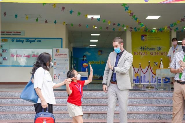 Ngày đầu đến trường tràn ngập niềm vui của thầy và trò Royal School - 2