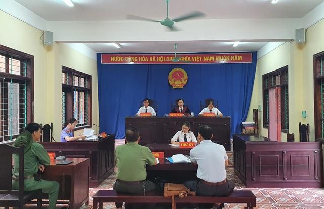 Công an TP Hà Giang hầu tòa vụ thu giữ 1,5 tấn kỷ vật chiến tranh - 1