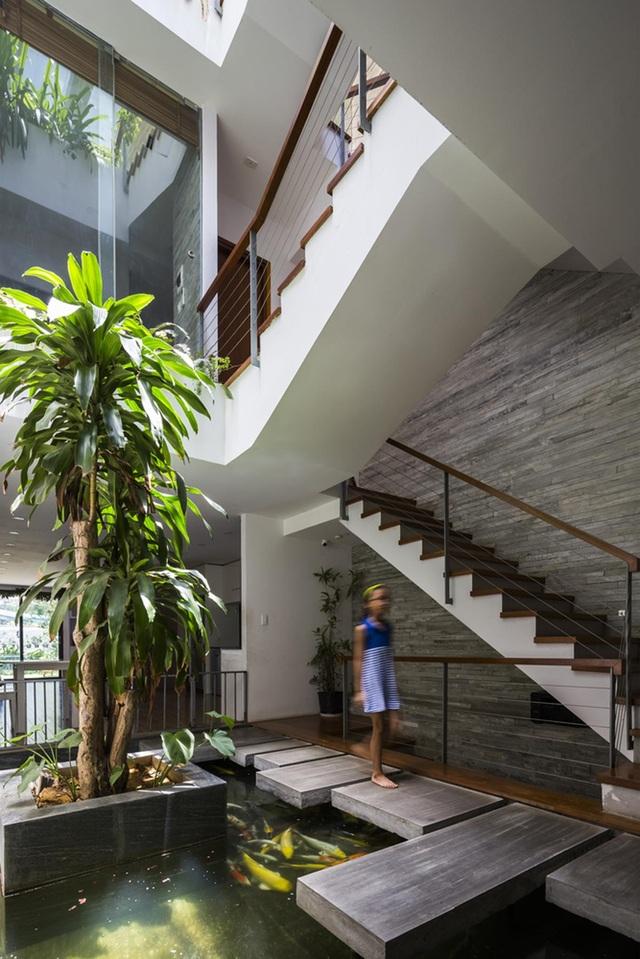 Ngỡ ngàng biệt thự ở Đà Nẵng xây cả công viên tuyệt đẹp trên sân thượng - 8