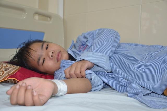 Bạn đọc Dân trí giúp đỡ góa phụ nghèo xin cứu con trai hơn 100 triệu đồng - 4