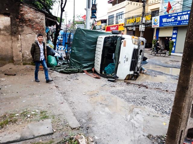 Thảm cảnh vừa bụi vừa lầy trên con đường đại gia ở Hà Nội - 2