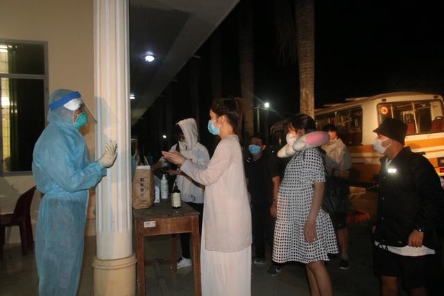 Đồng Tháp tiếp nhận cách ly 116 người về từ Philippines - 1