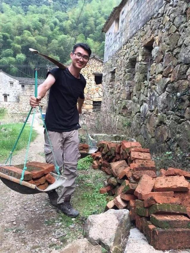 Cặp vợ chồng ở Trung Quốc bỏ việc lên núi, chi 13 tỷ đồng để cải tạo nhà - 7