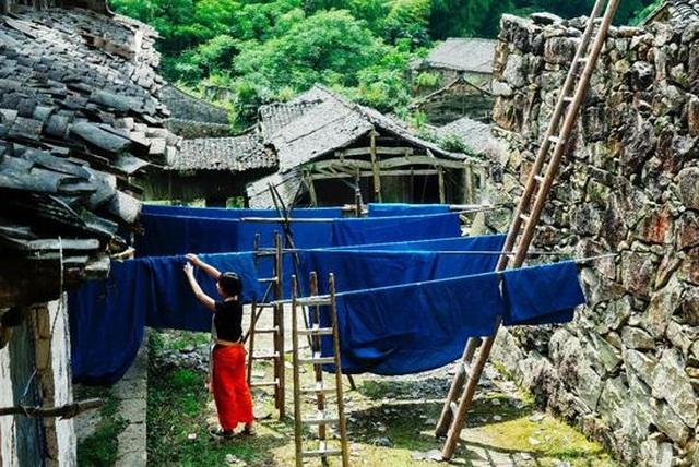 Cặp vợ chồng ở Trung Quốc bỏ việc lên núi, chi 13 tỷ đồng để cải tạo nhà - 16