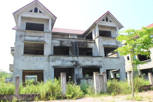 Hà Tĩnh: Hàng chục căn biệt thự hạng sang bỏ hoang giữa lòng thành phố - 5