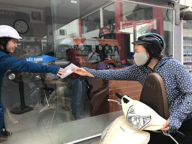 Người dân hoang mang giữa ma trận bảo hiểm xe máy - 1