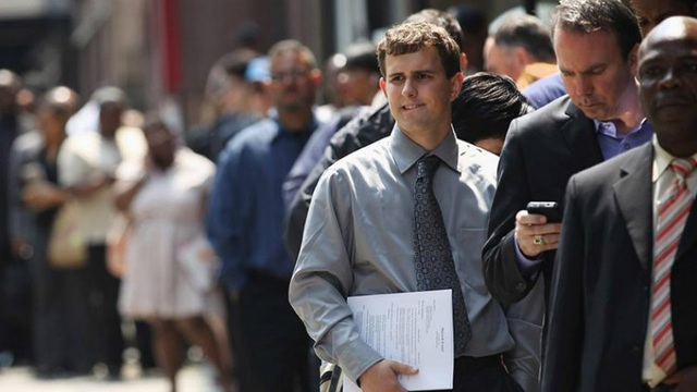 """Mỹ chuẩn bị đón """"làn sóng"""" sa thải thứ hai, tỷ lệ thất nghiệp tăng vọt - 2"""