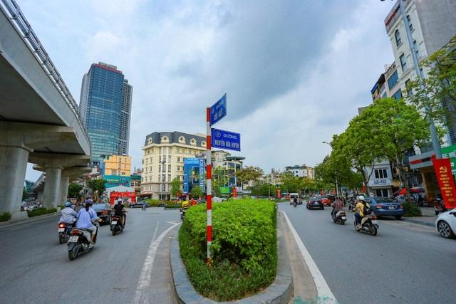 """Cận cảnh 5 tuyến đường được mệnh danh """"đắt nhất hành tinh"""" ở Hà Nội - 5"""