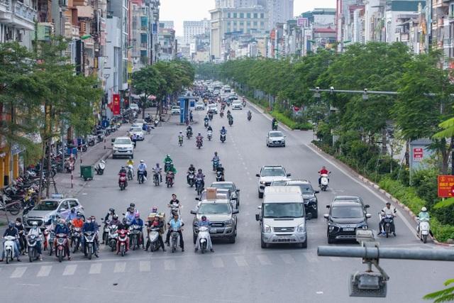 """Cận cảnh 5 tuyến đường được mệnh danh """"đắt nhất hành tinh"""" ở Hà Nội - 9"""