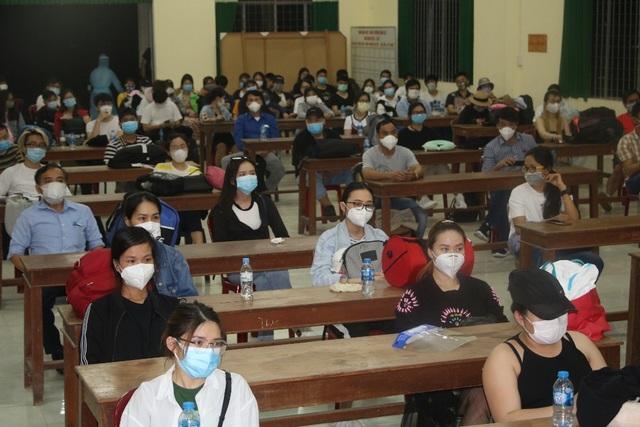Đồng Tháp tiếp nhận cách ly 116 người về từ Philippines - 2