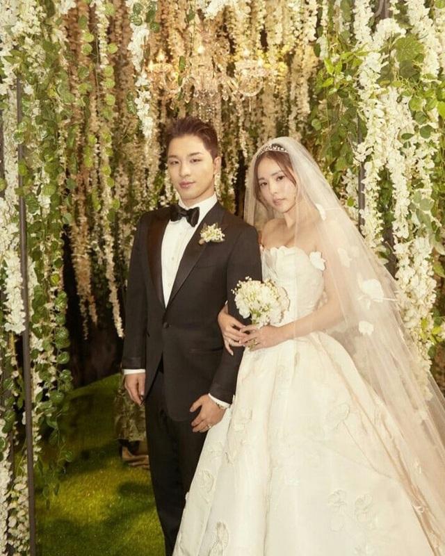 Taeyang của Big Bang gây sốt khi chia sẻ về siêu đám cưới 2 năm trước - 1