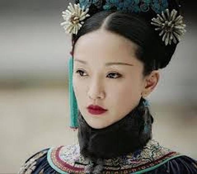 """Vẻ đẹp mong manh tựa """"khói sương"""" của Châu Tấn ở tuổi 45 - 7"""