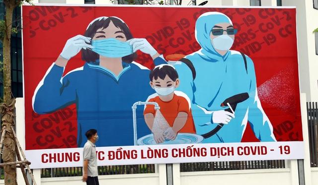 Báo Anh: Việt Nam quyết tâm cứu phi công Anh mắc Covid-19 - 1