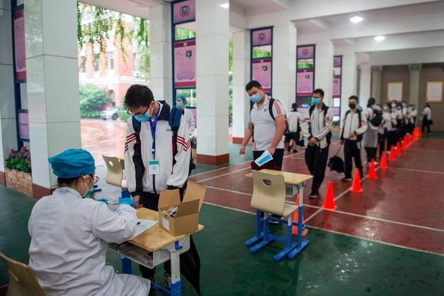 """Xét nghiệm 11 triệu dân, Vũ Hán đối mặt """"cuộc chiến 10 ngày"""" cam go - 2"""