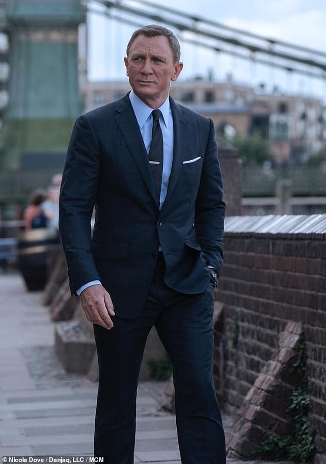 Sốc với kinh phí làm phim Điệp viên 007 - 2