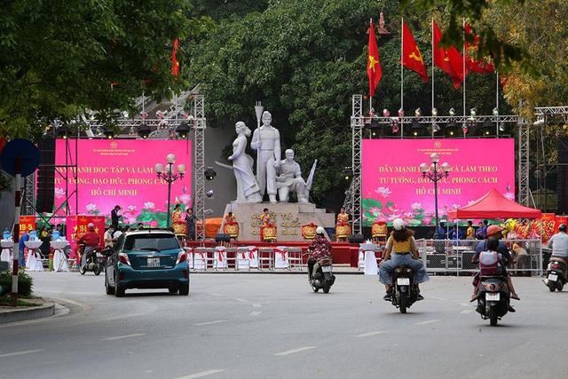 Thủ đô rực rỡ cờ hoa kỷ niệm 130 năm ngày sinh nhật Bác - 13