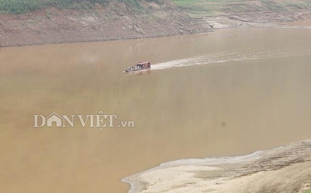 """Theo chân ngư phủ săn """"thủy quái"""" sông Đà - 4"""