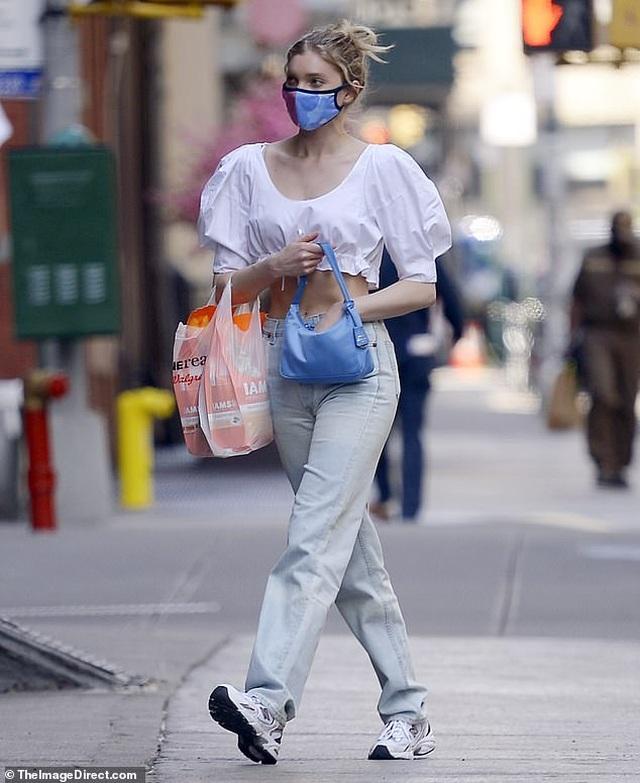 Kate Beckinsale hạnh phúc bên bạn trai kém 24 tuổi - 8