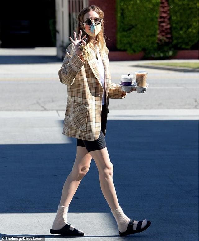 Kate Beckinsale hạnh phúc bên bạn trai kém 24 tuổi - 9