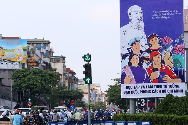 Thủ đô rực rỡ cờ hoa kỷ niệm 130 năm ngày sinh nhật Bác - 8