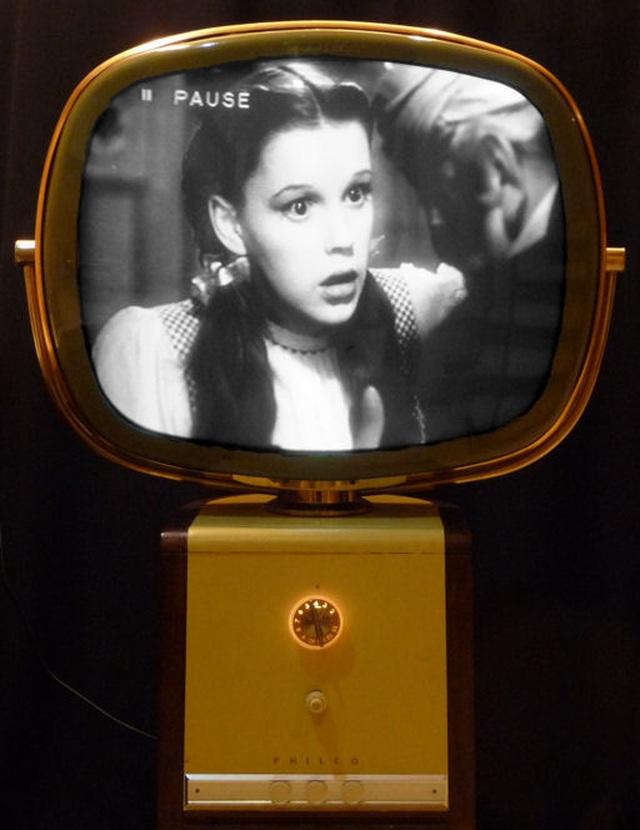 TV đã tiến hoá thế nào trong gần một thế kỷ qua? - 14