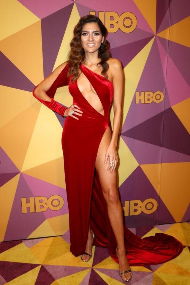 Mỹ nhân mặc hở bạo nhất trên thảm đỏ Oscar tái xuất gợi cảm - 8