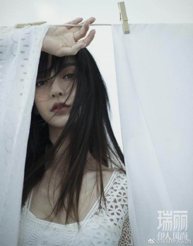 Angelababy đưa con đi chơi, thiếu vắng ông xã Huỳnh Hiểu Minh - 5