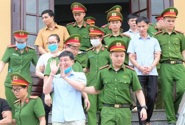 Vụ gian lận điểm thi Hòa Bình: Người chủ mưu lĩnh 8 năm tù - 3