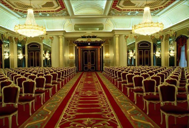 Choáng ngợp cung điện dát vàng lớn nhất thế giới tại Đông Nam Á - 3