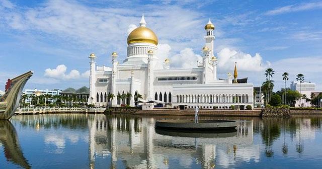 Choáng ngợp cung điện dát vàng lớn nhất thế giới tại Đông Nam Á - 7