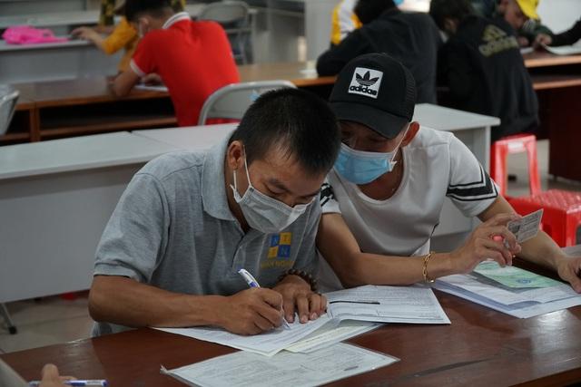 Bình Dương: Hơn 20.000 công nhân nhận trợ cấp thất nghiệp sau dịch Covid-19 - 3