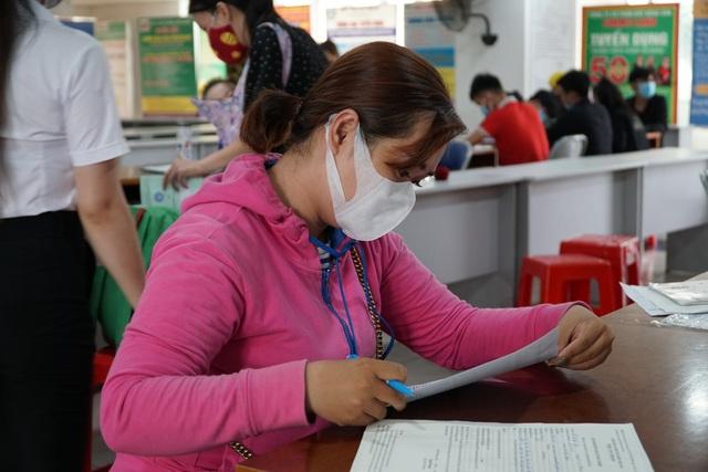 Bình Dương: Hơn 20.000 công nhân nhận trợ cấp thất nghiệp sau dịch Covid-19 - 2