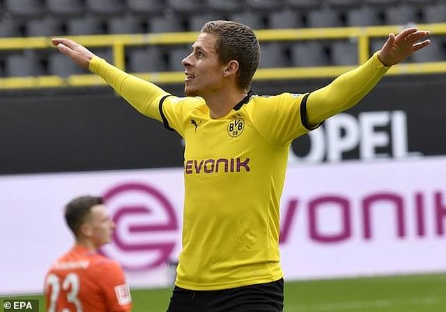 Những khoảnh khắc tỏa sáng của Haaland giúp Dortmund thắng đậm Schalke - 7
