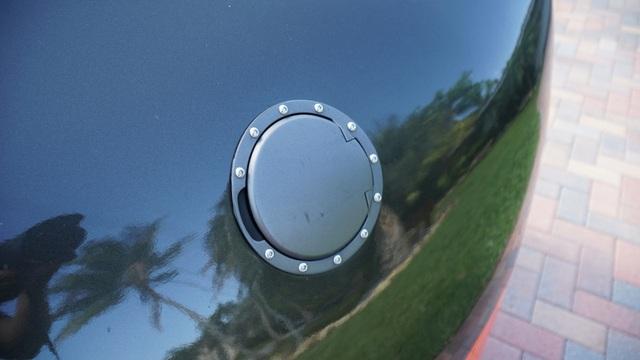 Hô biến Honda Civic thành… siêu xe Bugatti Veyron - 17