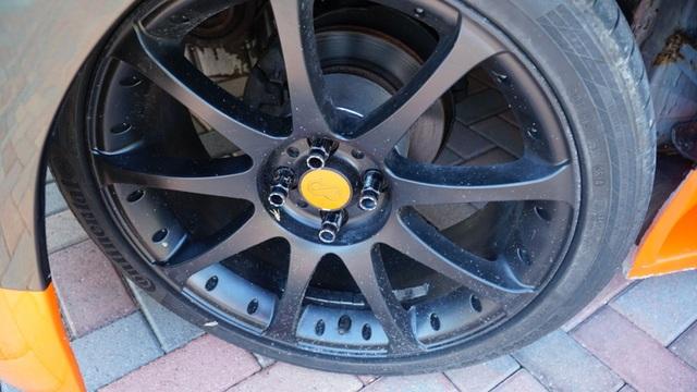 Hô biến Honda Civic thành… siêu xe Bugatti Veyron - 16