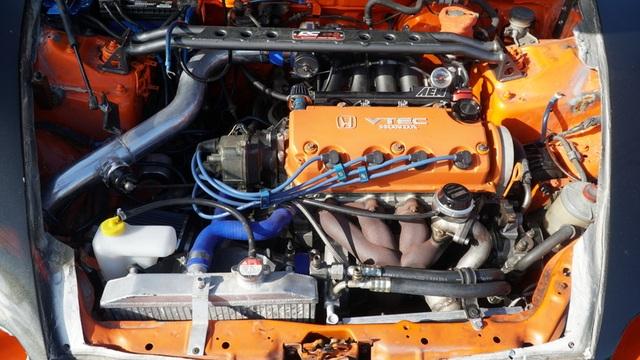 Hô biến Honda Civic thành… siêu xe Bugatti Veyron - 5