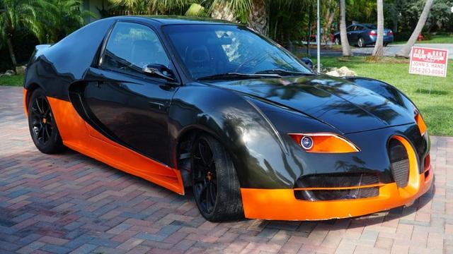 Hô biến Honda Civic thành… siêu xe Bugatti Veyron - 8