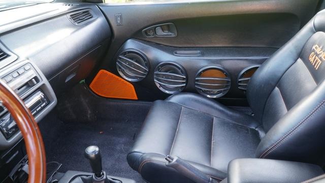 Hô biến Honda Civic thành… siêu xe Bugatti Veyron - 20