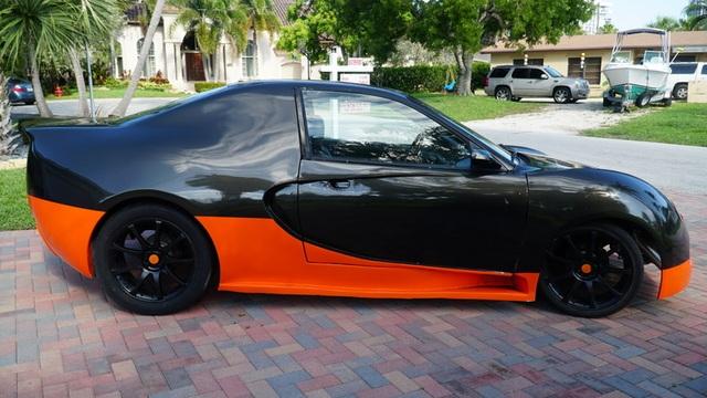 Hô biến Honda Civic thành… siêu xe Bugatti Veyron - 9