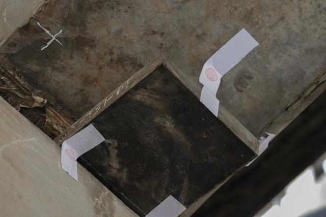 Cận cảnh những gối cầu bị xô lệch được niêm phong trên đường vành đai 3 - 6