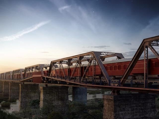 Kỳ lạ: Khách sạn nằm chênh vênh trên đường ray của cầu sắt - 3