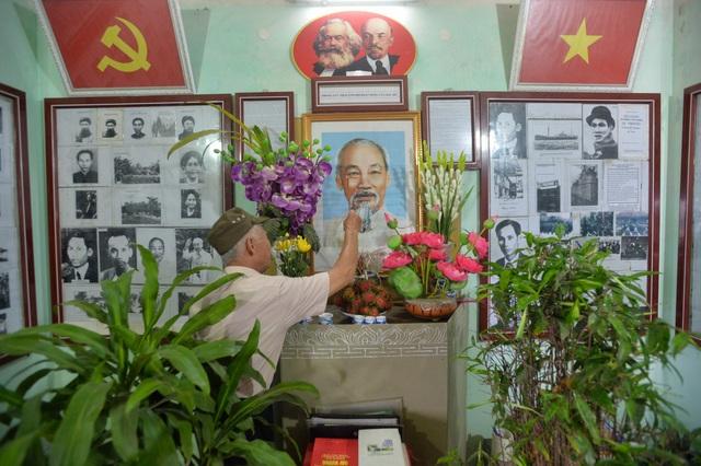 Cụ ông dành gần nửa đời người xây dựng bảo tàng về Bác Hồ ở Hà Nội - 1