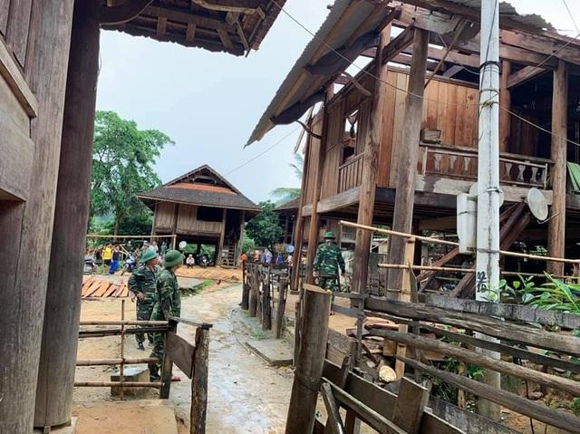 Huyện nghèo liên tiếp hứng lốc xoáy, chịu thiệt hại nặng nề - 7