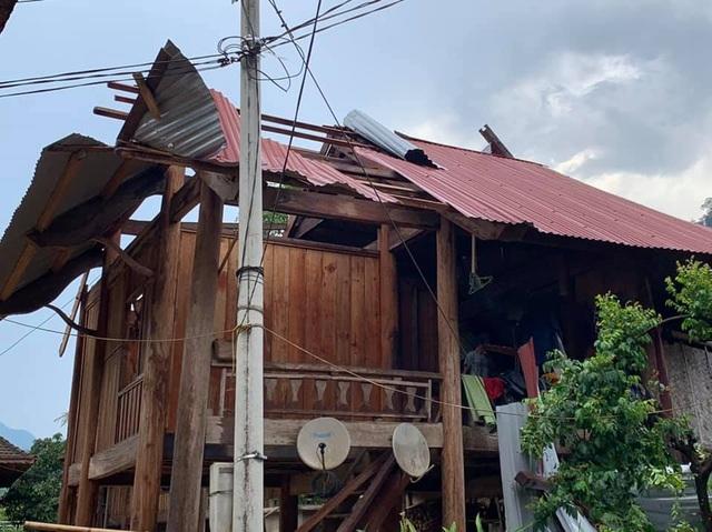 Huyện nghèo liên tiếp hứng lốc xoáy, chịu thiệt hại nặng nề - 6