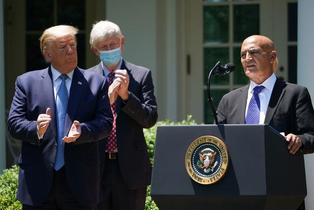 """Tổng thống Trump đẩy nhanh """"Chiến dịch Thần tốc"""" phát triển vắc xin Covid  - 1"""