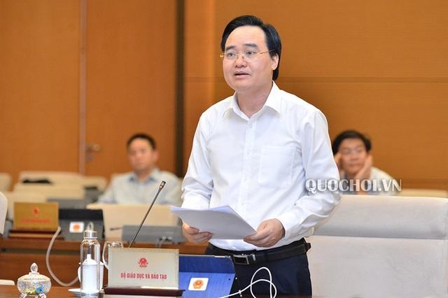 Chủ tịch Quốc hội yêu cầu thẳng thắn về việc chậm biên soạn sách giáo khoa - 1